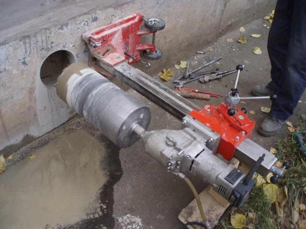 чем просверлить отверстие в бетоне 110 мм